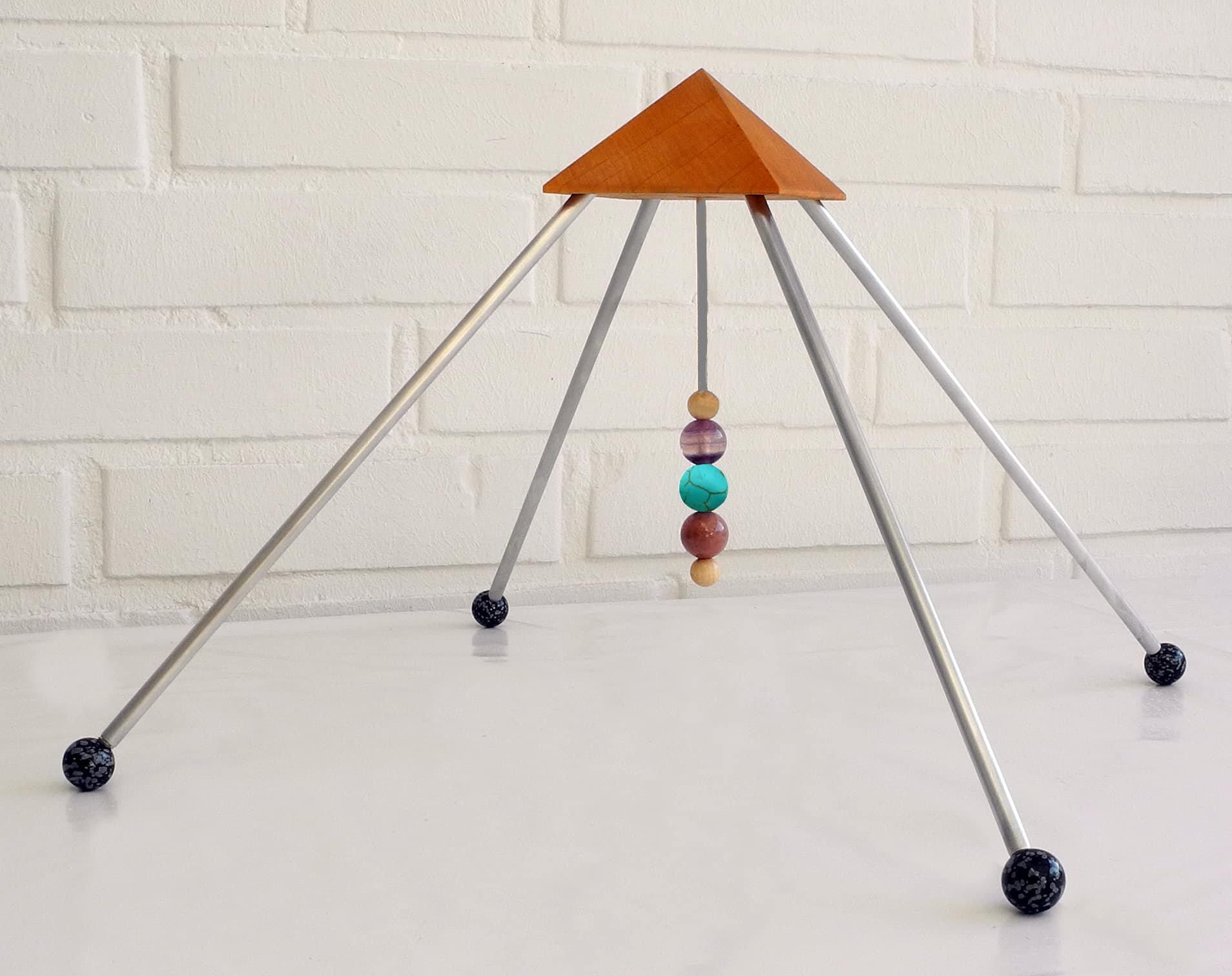 sternzeichen wassermann pyramide drei heilsteine die kraft der sternzeichen steine. Black Bedroom Furniture Sets. Home Design Ideas