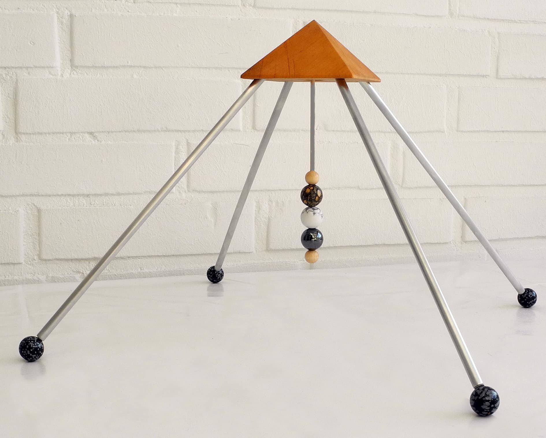sternzeichen skorpion pyramide mit drei 16mm steine die kraft der sternzeichen steine. Black Bedroom Furniture Sets. Home Design Ideas